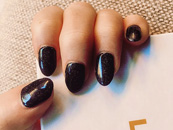 Beautiful Nails by Linde Louvain