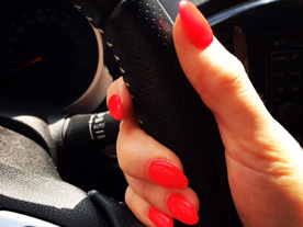 Red Gel nails car