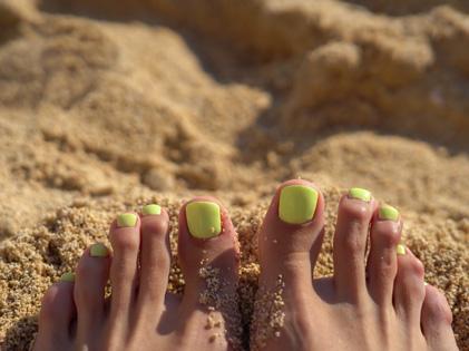 Onglerie beautiful nails by linde louvain gel ou vernis semi permanent sur les ongles de pieds - Vernis pied ete 2017 ...